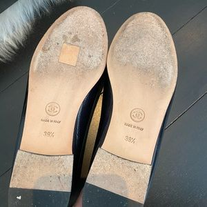 CHANEL Shoes - Chanel beige/black with navy trim flat 39.5